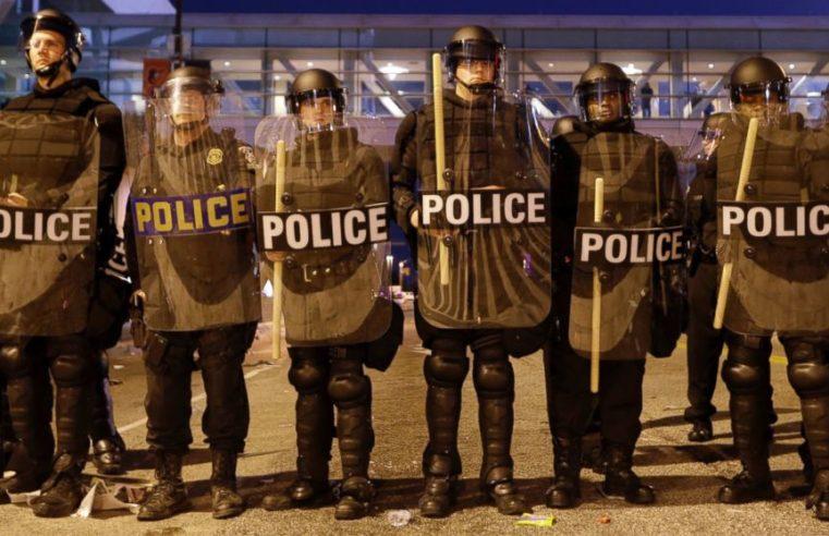 Los socialistas y el estado: ¿cómo terminar con la policía racista?