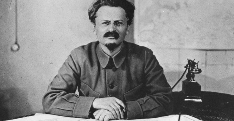 Trotsky: reseña de una biografía de Pierre Broué