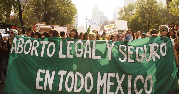 ¡Por la despenalización del aborto a nivel nacional y contra los feminicidios!