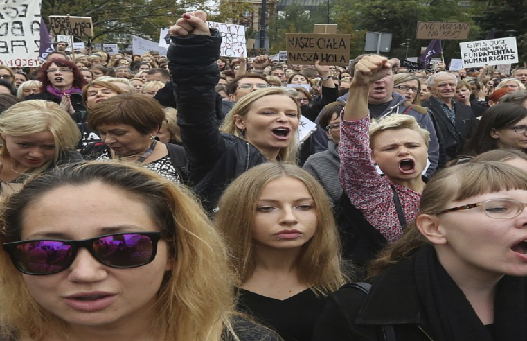 Polonia: ¡Nuevo ataque al derecho al aborto en medio de la segunda oleada del Covid!