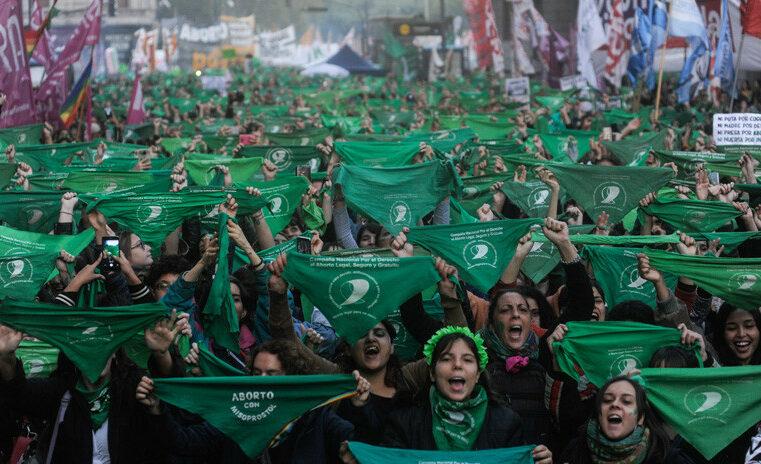Argentina: Aborto legal, un triunfo de la marea feminista.