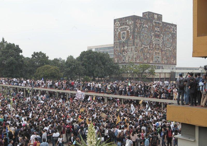 La UNAM no para, pero tampoco paga