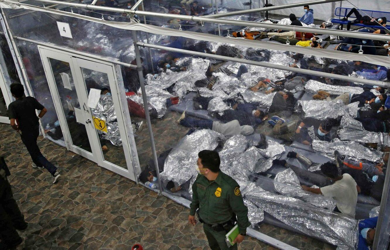 Crisis en la frontera: Detenciones, deportaciones, y explotación continúan bajo mandato de Biden