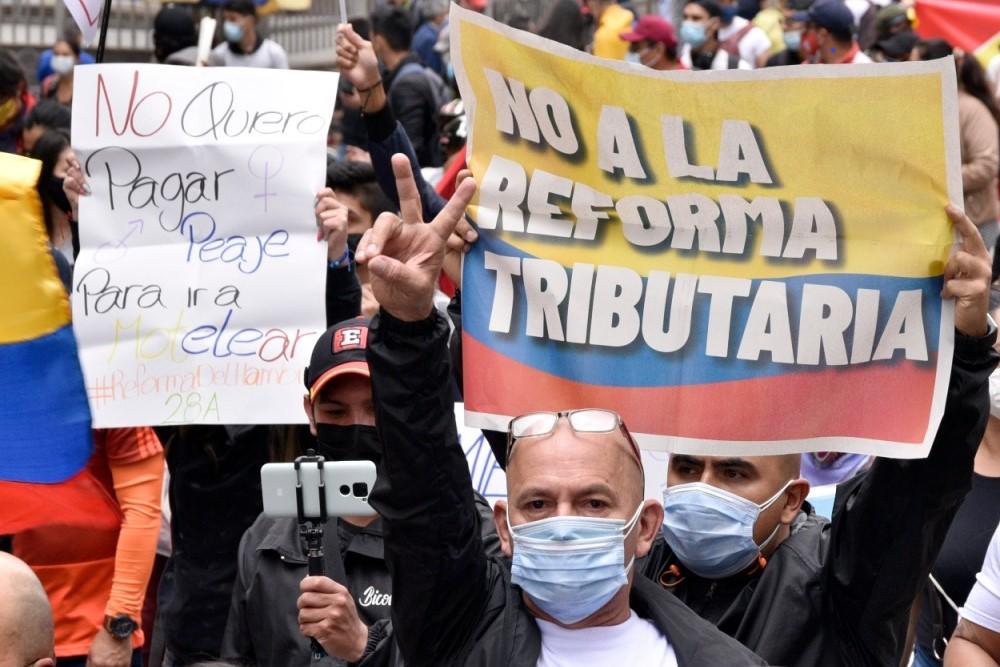 Colombia: Revuelta masiva contra la reforma fiscal regresiva y el gobierno de derecha