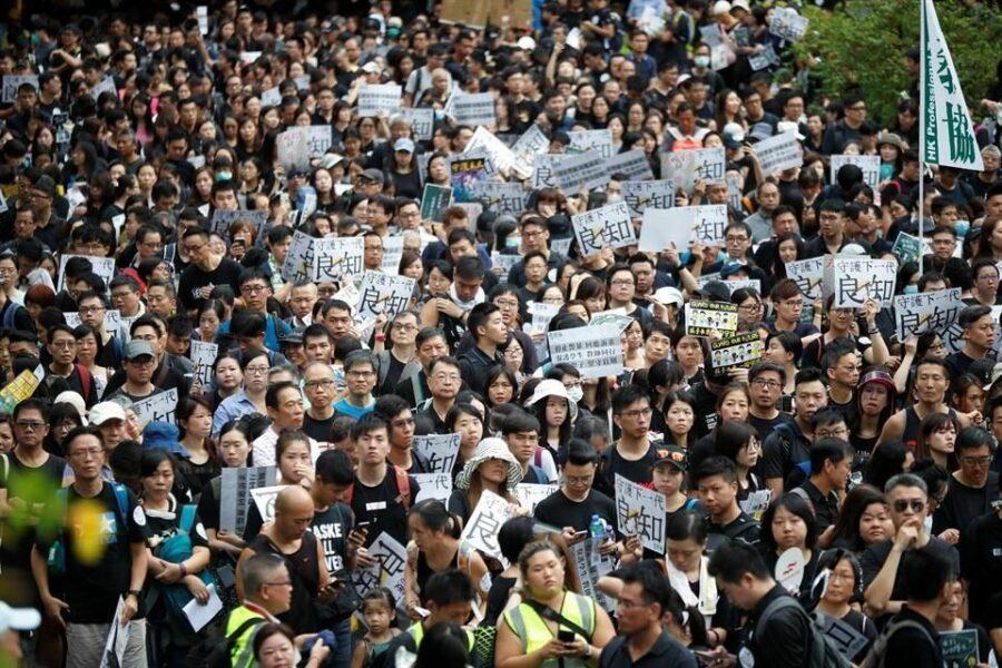 Hong Kong: Sindicato de profesores se derrumba ante el ataque del gobierno