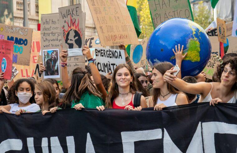 ¿Por qué las feministas deben actuar sobre el clima y por el cambio de sistema?